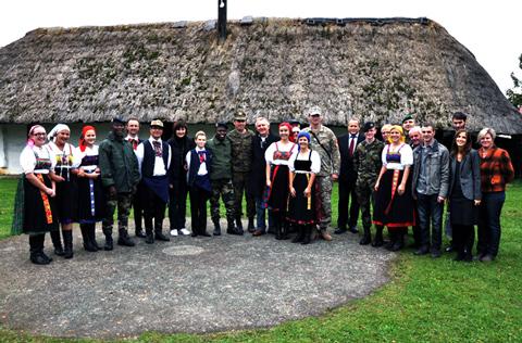 Besuch einer internationalen Delegation der LAVAK
